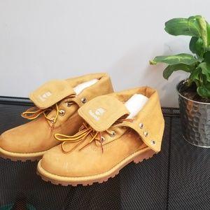 Timberland kids wheat boots